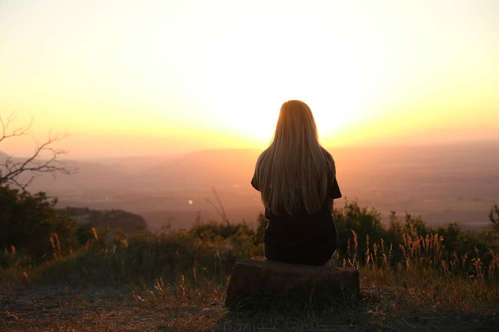 sunset thinking judging others