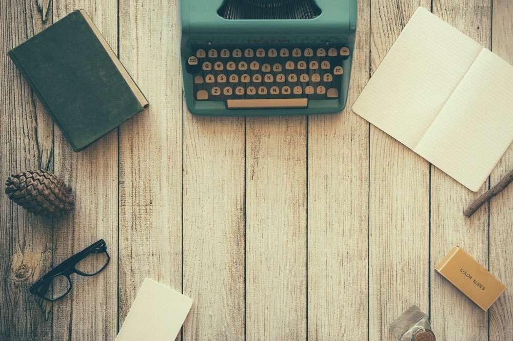 typewriter desk writing